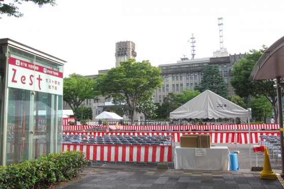 49_朝の市役所前。今日は祇園祭かぁ。