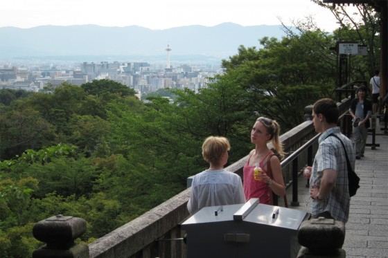 38_遠く京都タワーが見えます
