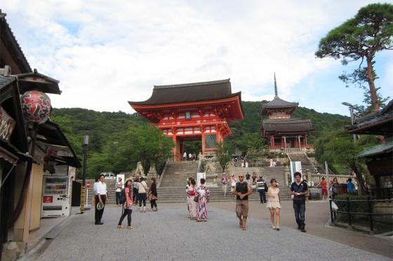 37_清水寺に入っていきますよ~