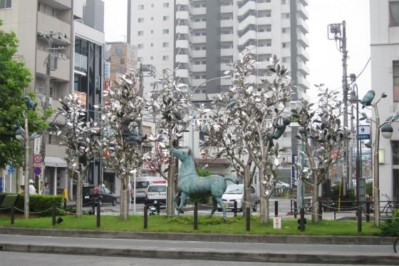 01_南林間駅前のオブジェがステキ