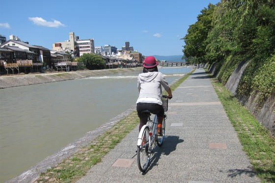 41_気候のいい京都はサイクリングだね