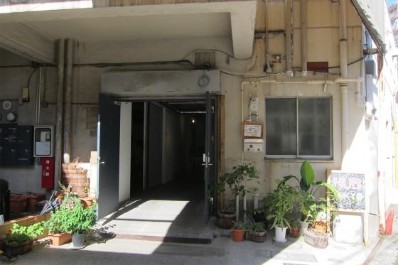 01_HUB-Tokyo_entrance