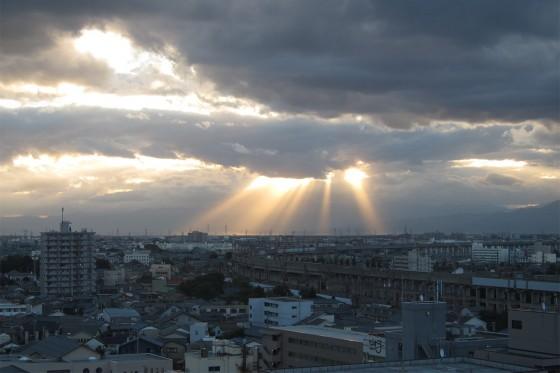 08_新潟の朝、天使が降りてきそうな空。