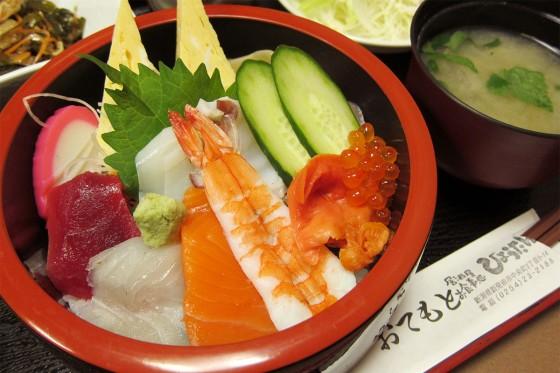 16_居酒屋お食事処「ひょうたん」のランチ海鮮丼