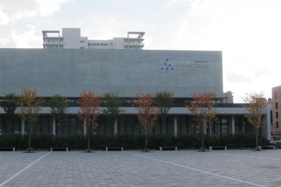33_新しい方の秋田県立美術館