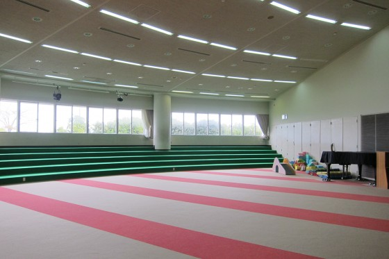 06_こんなに広い多目的室