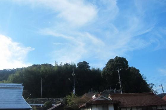 32_秋らしい空です