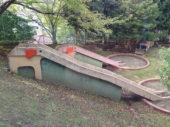 07_お庭の滑り台