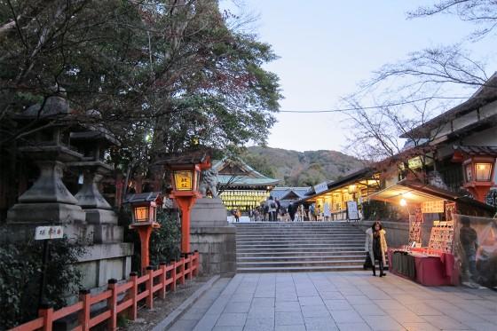 28_夕暮れの八坂神社
