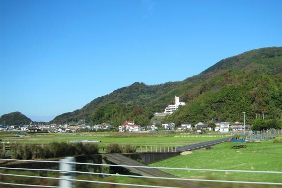 11_山の上に見えてきたのは聖和保育園