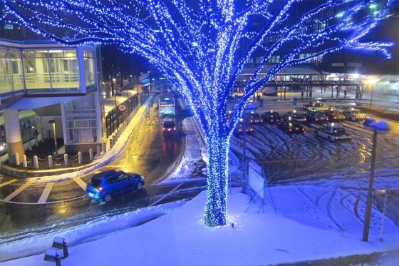 10_雪の長岡駅前