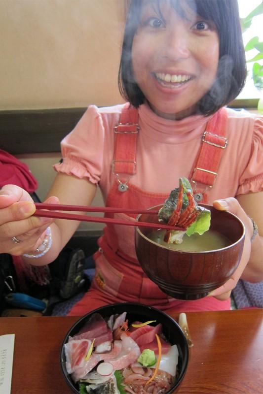 31_味噌汁には蟹やら貝やらがごっそり!