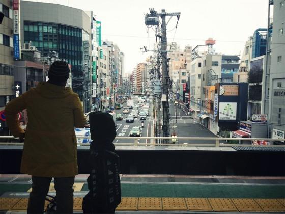 01_目黒駅で乗り換え.jpg_effected