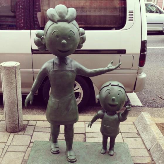 08_桜新町駅前のサザエさんとタラちゃん