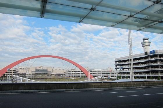 04_いい天気の羽田空港