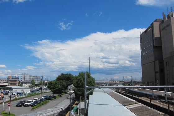 24_新庄駅の青空よ