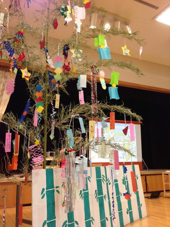 14_大きな七夕笹飾りがありました