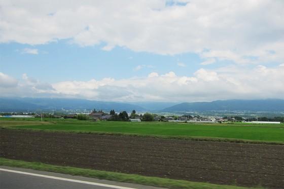 13_美しい田園風景を抜け