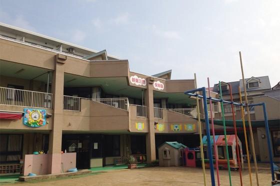 06_新東三国保育園の園舎