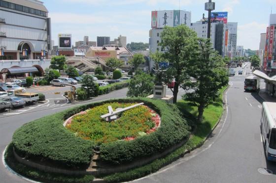 02_倉敷駅前の花時計