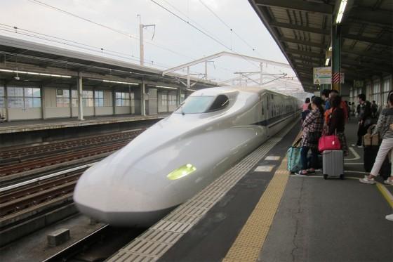 33_新幹線で東京へ急げ!