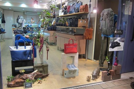 16_おしゃれな山口駅前のお店02