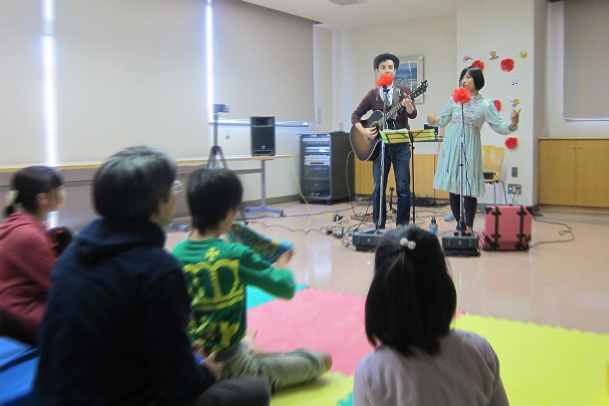 6人の子どもに心を込めて「あおぞらコンサート」@みどり地域活動ホームあおぞら