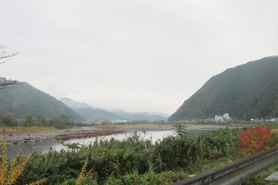 26_綺麗な揖保川の流れ