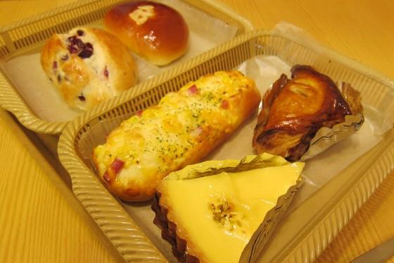 01_いきなり朝食はパン!