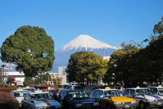 05_新富士駅を降りての富士山の眺め