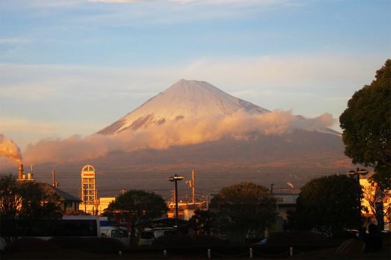 24_雲をまとう富士山