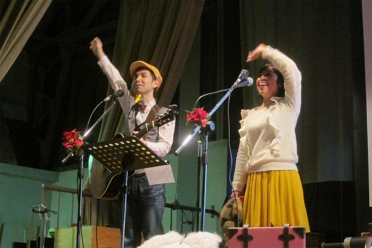 岐阜県・大垣市立江東小学校でPTA主催のウインターコンサート!2014年最後のコンサートでした☆