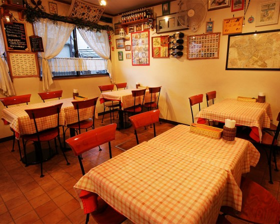 武蔵小杉イタリア家庭料理「アズーロ」店内写真