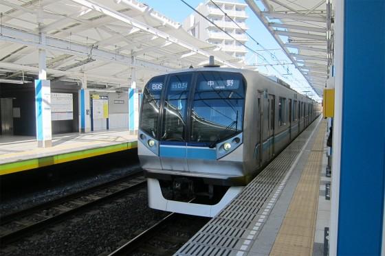 19_東京メトロ東西線の浦安駅は地上です