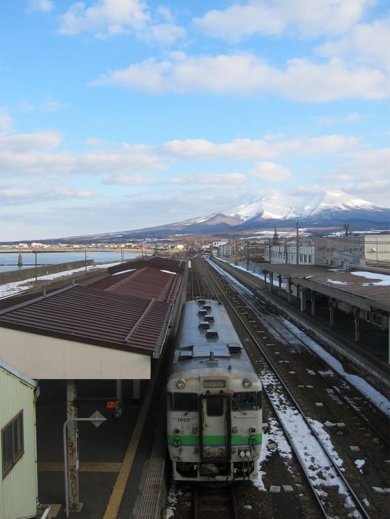 18_駒ケ岳とディーゼル車