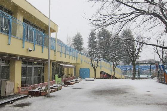 08_雪の野崎保育園