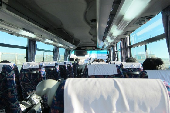 03_高速バス車内