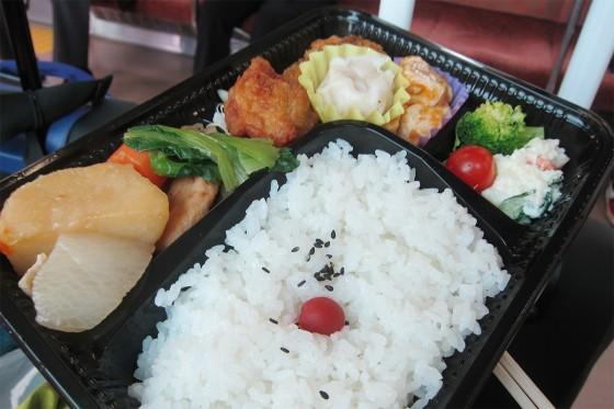 17_お弁当を食べながら旅気分で帰ります