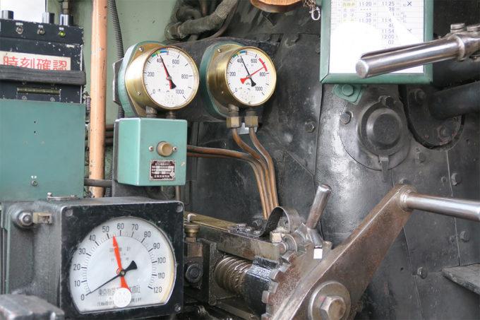16_SLの速度計と圧力計