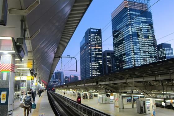 62_東京駅はビル群だ