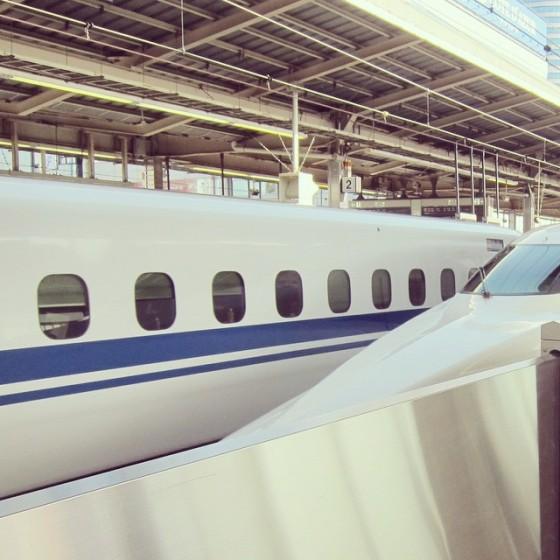 02_新幹線で西へGo!