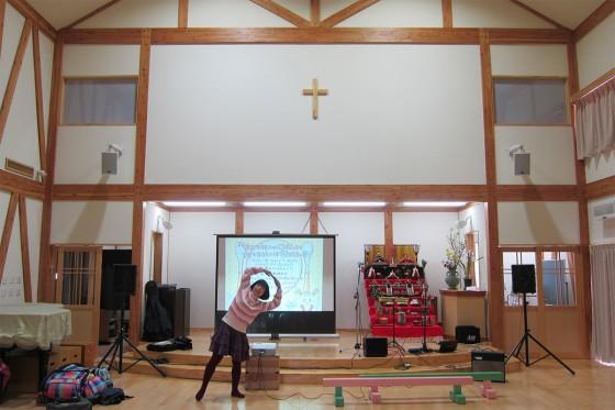 46_十字架と雛人形とケチャマヨ