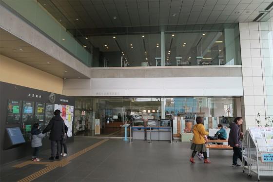 07_一階と二階は図書館ですが
