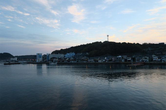 01_呼子港の朝