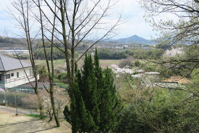 15_素敵な里山に囲まれた環境