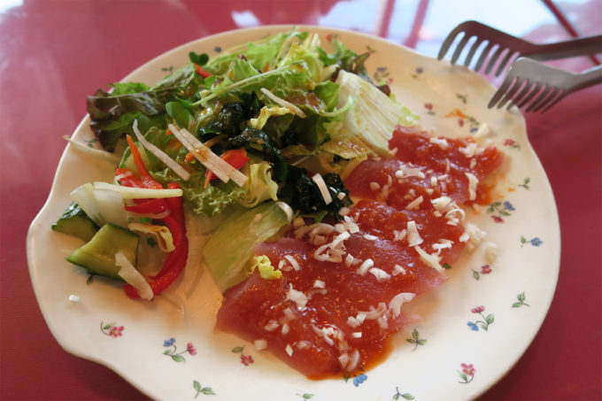 40_マグロのカルパッチョとサラダ