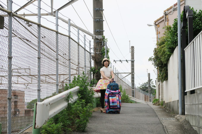 14_線路沿いの道