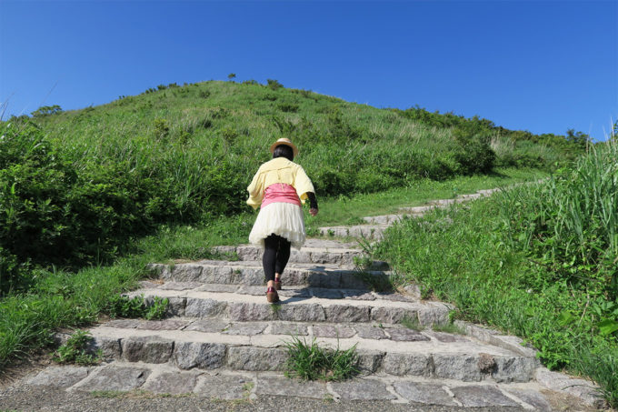 35_さらに徒歩で山登り