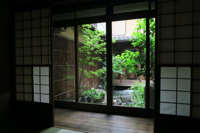 11_落ち着く中庭