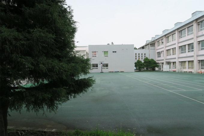 20_中庭のような校庭